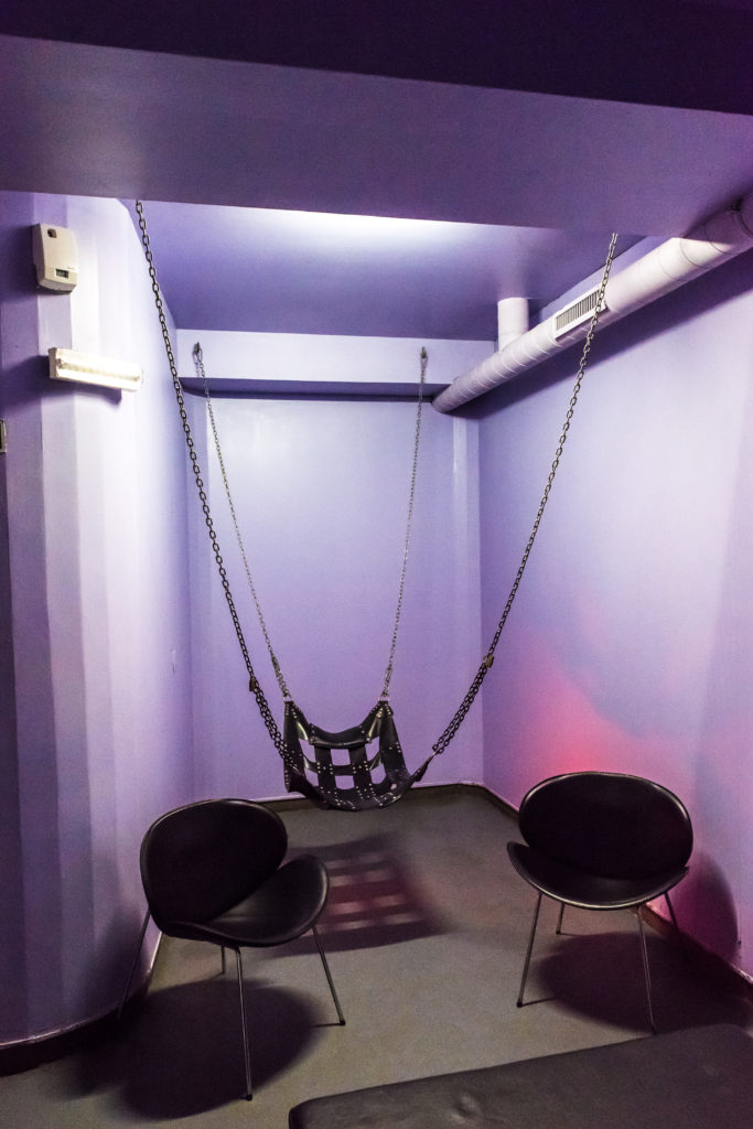 Private booth with sling - Sexual swing on SaunApolo56